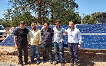 Equipo de GMKT junto al líder de la comunidad Wichí